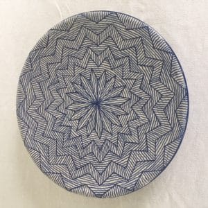 Assiette en poterie de Fès couleur bleu hand made Simonne Chic