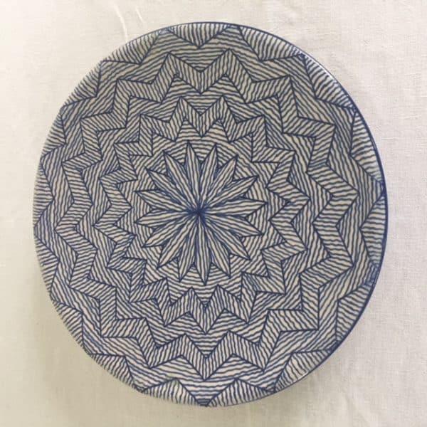 Assiette en poterie de Fès couleur bleu hand made Simonne Chic