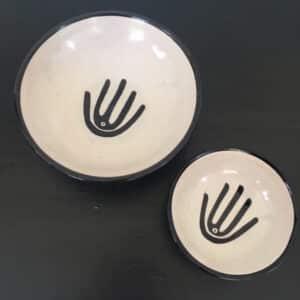 Poterie de Fès beige et noire design main fabrication artisanale peint à la main