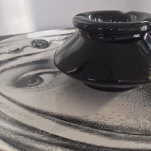 cendrier en grès émaillé noir brillant
