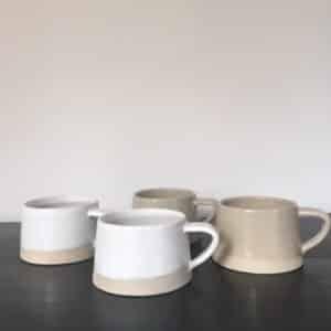 Tasses en grès émaillé contraste mat et brillant collection Café Crème fait main