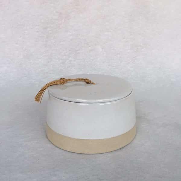 Boite en grès émaillé naturel et blanc contraste du mat et du brillant déco